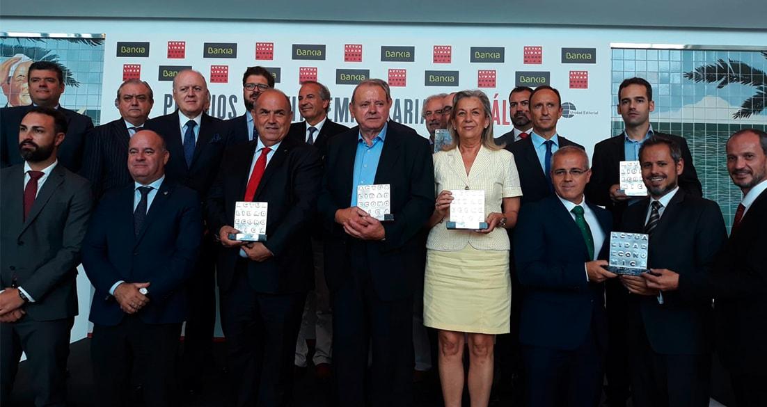 Federico Beltran con los galardonados a los premios malaga